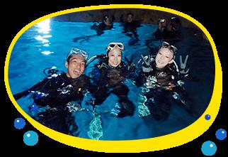 シュノーケリングも体験ダイビングどっちも楽しみたい方におすすめ、青の洞窟スポットにはシュノーケリングでダイビングでクマノミたくさんのお魚を見に行こう沖縄の最高に綺麗な海で思いで作り。