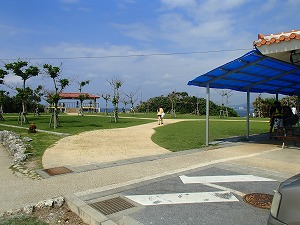 真栄田岬ダイビングスポット遊歩道