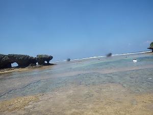 沖縄綺麗な海でシュノーケリング