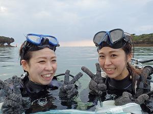 沖縄の海で体験ダイビング