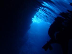 シュノーケリング洞窟内