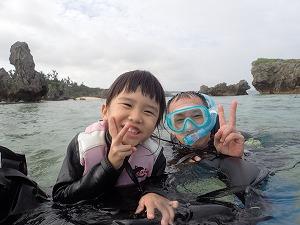 親子で4歳の子と一緒に楽しめる沖縄でシュノーケリング