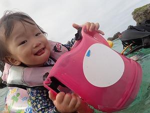 浮き輪と箱メガネで子供とシュノーケリング