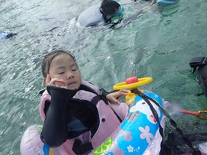 沖縄シュノーケリング4歳