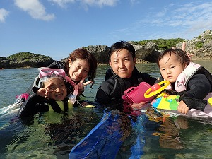 沖縄2歳、4歳とシュノーケリング