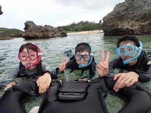 沖縄シュノーケリング家族