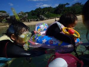 沖縄シュノーケリング2歳、4歳