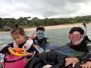 沖縄4歳の子供とシュノーケリング