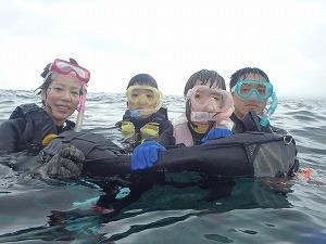 シュノーケリング子供と安心して楽しめる沖縄
