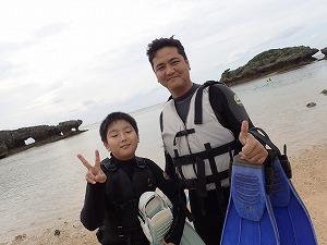 沖縄親子でシュノーケリング