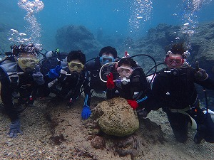 沖縄家族全員でダイビング