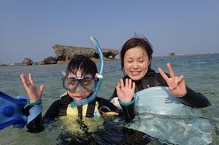 親子でシュノーケリング 沖縄