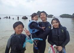 沖縄子供遊び体験でシュノーケリング