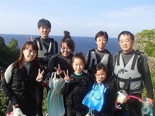3世代家族で青の洞窟シュノーケリング