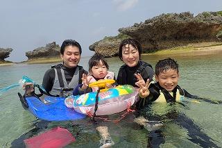 家族みんなで♪ 沖縄シュノーケリング