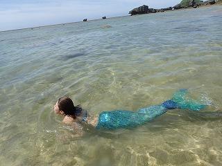 泳ぐマーメイド