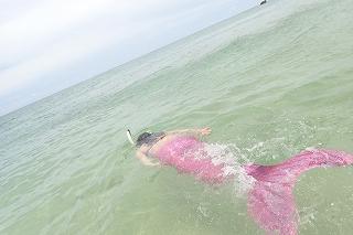 マーメイド体験 こんな風に泳げますよ☆
