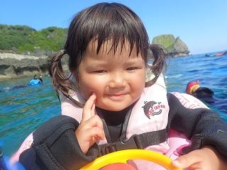 2歳青の洞窟シュノーケリング