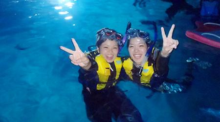 沖縄で青の洞窟シュノーケリング