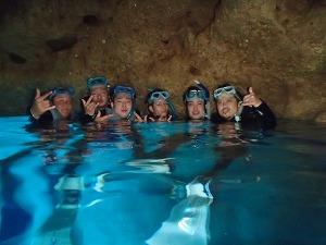青の洞窟シュノーケリング 水面写真
