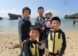 真栄田岬ビーチでシュノーケリング