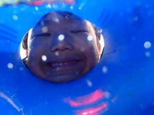泳げない子供でも一緒にシュノーケリング