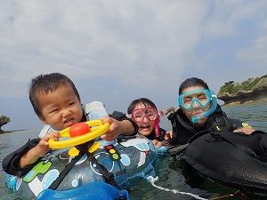 沖縄2歳シュノーケリング