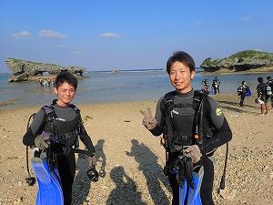 真栄田岬で貸切ダイビング