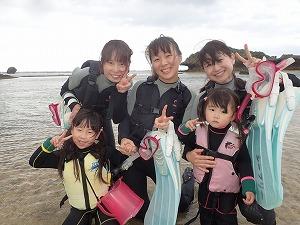 2歳5歳家族と一緒にシュノーケリングで海デビュー