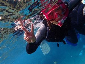 シュノーケリングの水中写真