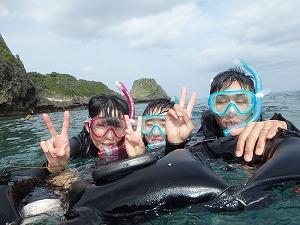 沖縄シュノーケリング子連れ写真