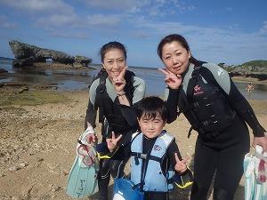 沖縄子供と遊ぶ4歳でも安心して楽しめるシュノーケリング