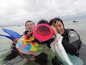 沖縄シュノーケリング2歳の子連れ家族
