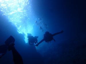 青の洞窟ダイビング洞窟内