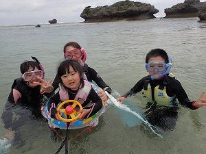 沖縄3歳の子供とシュノーケリング