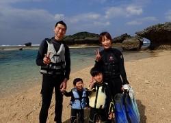 沖縄2歳と4歳の子供でも遊べるシュノーケル
