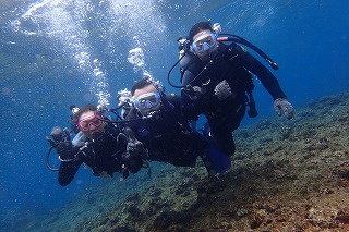 青の洞窟ダイビング水中