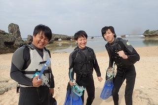 沖縄学生旅行はマリンスポーツ!シュノーケリングに行ってきました。