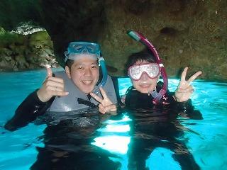 シュノーケリングで青の洞窟写真