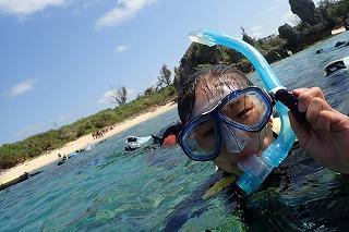 沖縄シュノーケリング水面