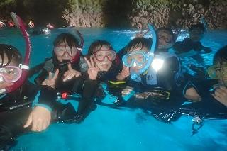 沖縄青の洞窟シュノーケリング