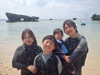 沖縄2歳の子供と海遊び体験シュノーケリング