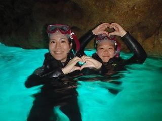 青の洞窟シュノーケリングハート写真