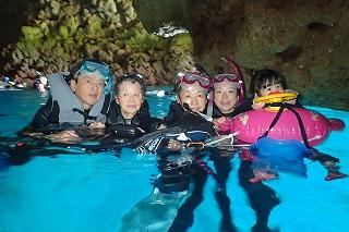 沖縄旅行 青の洞窟シュノーケリング