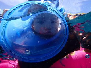 青の洞窟シュノーケリング 浮き輪でぷかぷか♪