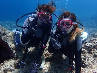 青の洞窟ダイビング 二人で記念写真