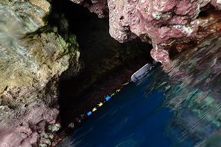 青の洞窟シュノーケル 入り口です
