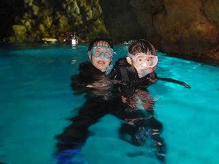 青の洞窟シュノーケリング 洞窟のなかで