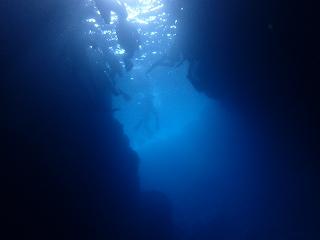 青の洞窟ポイント ダイビング