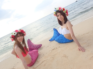 沖縄の海でマーメイド